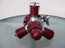 3-Zylinder-Modellsternmotor dunkelrot